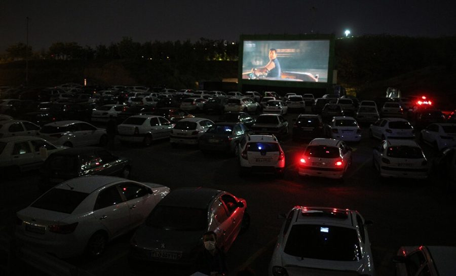 A+drive-in+theatre+at+night.++%0A
