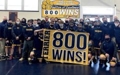 Del Val wrestling team earns 800th win