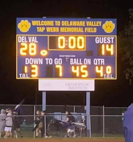 Del Val Football continued its undefeated season last Friday with its Homecoming night defeat of rival Bernards.